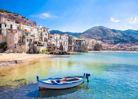 7 Tage Sizilien im Frühjahr – Unterkunft im 3,5* Hotel, Flug und Rail&Fly für 256€