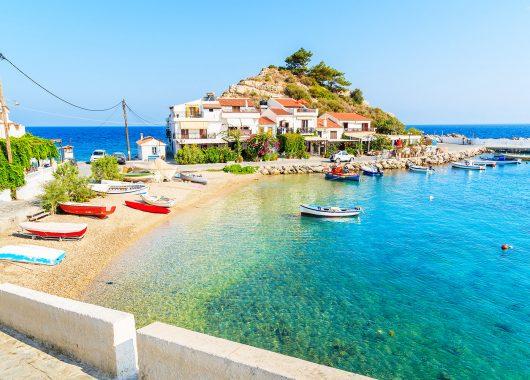 2 Wochen Samos im 3* Apartment inkl. Flug und Rail&Fly ab 235€, 1 Woche ab 187€