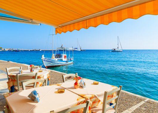 Last Minute Samos: 1 Woche im 3*Hotel mit Meerblick, inkl. Flug und Transfers ab 365€