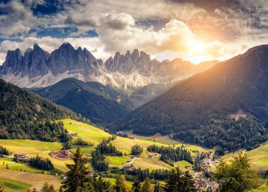 Dolomiten: 4 bis 8 Tage im 3*Hotel mit Halbpension, Welcome Drink und Eintritt ab 129€