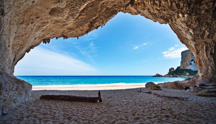 Frühbucher Sardinien: 1 Woche im April ins 4*Hotel inkl. Flug, Transfers und Frühstück ab 358€