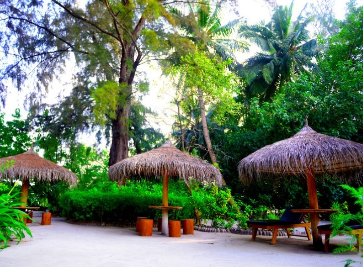 2 wochen malediven im september beach resort mit all in flug rail fly u transfer ab 1685. Black Bedroom Furniture Sets. Home Design Ideas