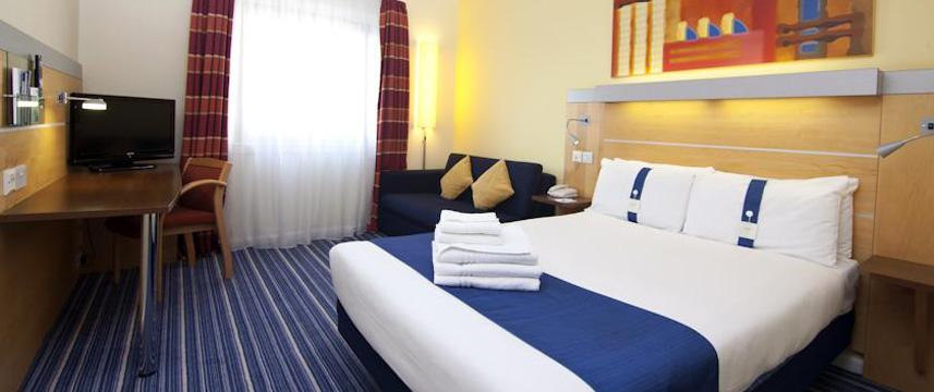 holiday_inn_express_london_croydon_double_room