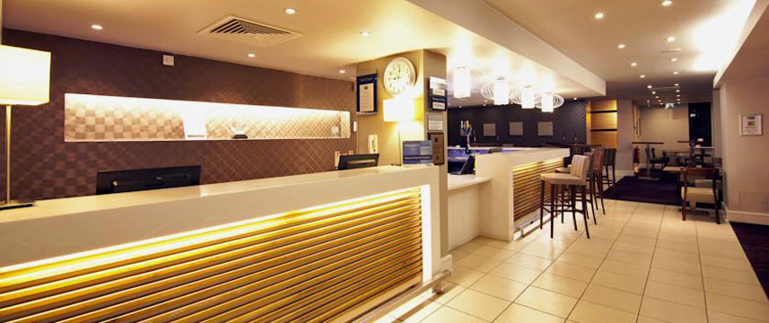 holiday_inn_express_london_croydon_reception