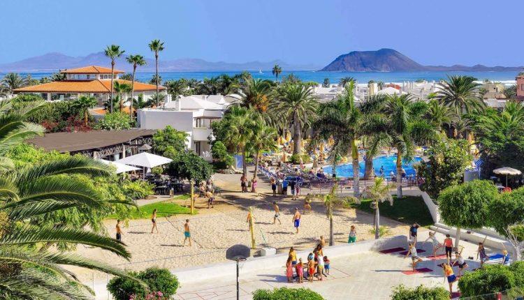 1 Woche Fuerteventura im Dezember: 4* Junior Suite mit All In, Flug, Rail&Fly und Transfer ab 555€