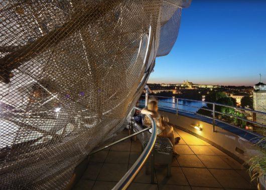 Übernachtung im 4* Dancing House Hotel Prag für 44,50€ pro Person