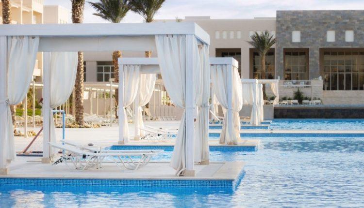 Eine Woche Hurghada im 5* Beach Resort mit All In, Flug, Rail&Fly u. Transfer ab 380€