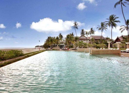 2 Wochen Khao Lak im 4* Resort inkl. HP, Flug, Rail&Fly und Transfer ab 1109€