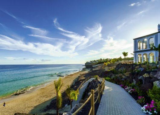 9 Tage Fuerteventura im Dezember: 4* Hotel inkl. Frühstück, Flug, Rail&Fly und Transfer ab 686€
