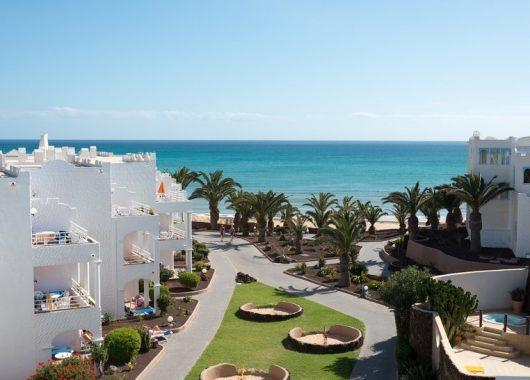 1 Woche Fuerteventura im 4* Apartment inkl. Halbpension, Flug, Rail&Fly u. Transfer ab 454€