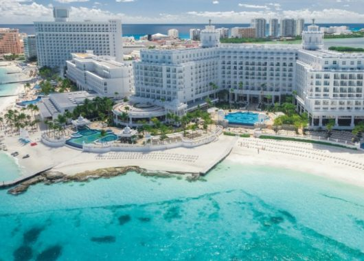 1 Aprilwoche im 5* Resort am Strand von Cancun mit All In, Flug, Rail&Fly und Transfer ab 1355€