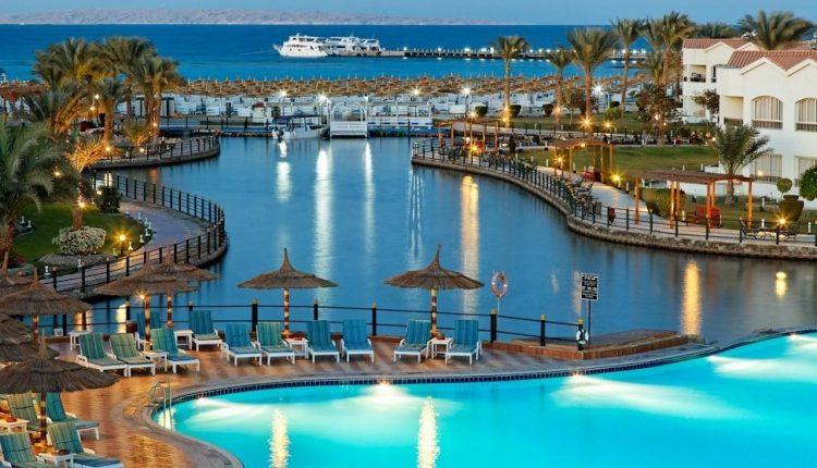 Eine Woche Hurghada im Winter: 5* Award-Hotel mit All In, Flug, Rail&Fly u. Transfer ab nur 385€