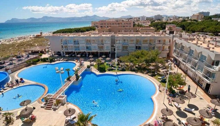1 Woche Mallorca im April: 4* Hotel inkl. Halbpension, Flug, Rail&Fly u. Transfer ab 409€