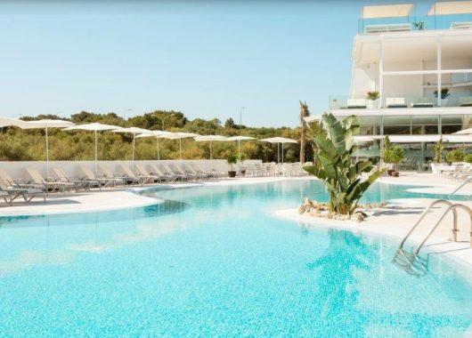 Early Bird: 1 Woche Cala d'Or im 4,5* Hotel inkl. Frühstück, Flug & Transfer ab 310€