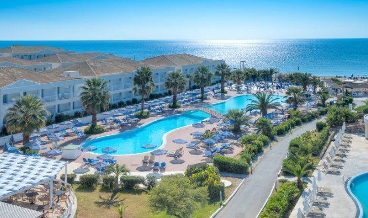 Frühbucher: Eine Woche Korfu 4* Hotel mit All Inclusive, Flug, Rail&Fly und Transfer ab 345€