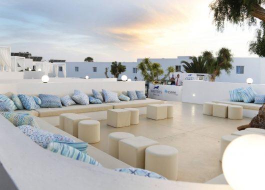 Frühbucher: 1 Woche Lanzarote in einer 4* Juniorsuite inkl. HP, Flug, Rail&Fly und Transfer ab 527€