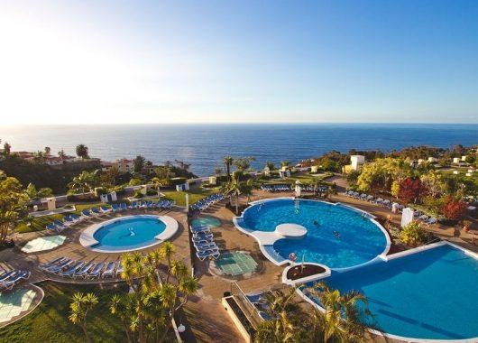 Winterurlaub: 1 Woche Teneriffa im 4* Hotel inkl. Frühstück, Flug, Rail&Fly und Transfer ab 379€