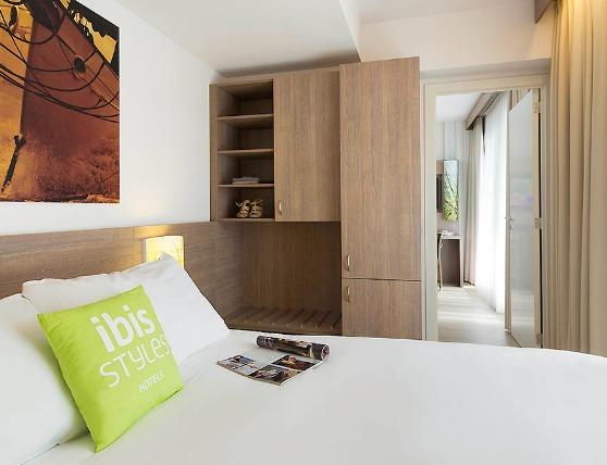 FireShot Capture 191 - Günstiges Hotel__www.ibis.com_de_hotel-8091-