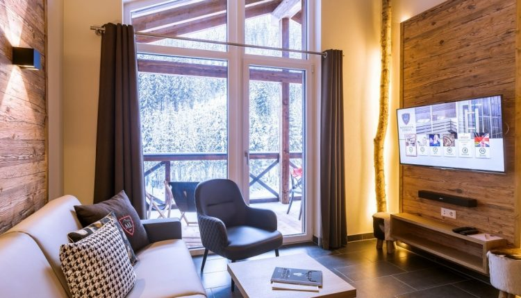 Neu eröffnete Chalets in Kaprun: 2 Nächte inkl. Frühstücksbuffet, Spa & Ski Shuttle ab 119€