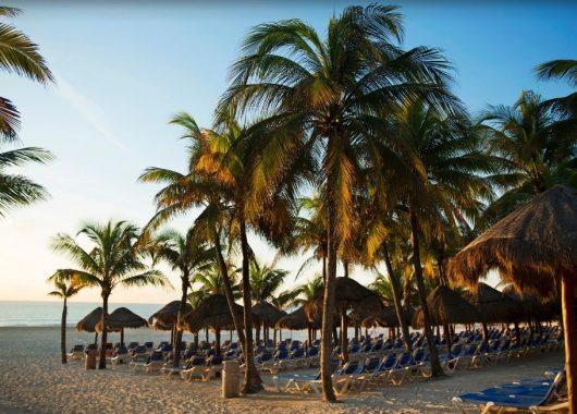 2 Wochen Playa del Carmen im September: 4* Resort mit All In, Flug, Rail&Fly und Transfer ab 1275€