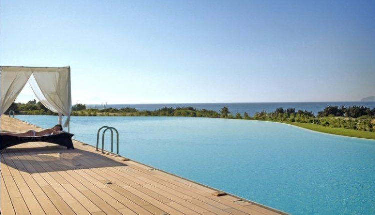 Eine Woche Kos im Sommer: 5* Resort inkl. HP, Flug und Rail&Fly ab 498€