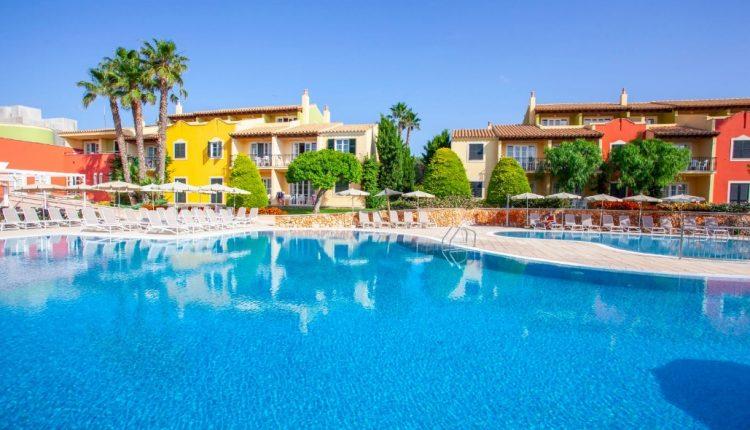 Eine Woche Menorca im 4* Apartment inkl. Frühstück, Flug, Raill&Fly u. Transfer ab 361€