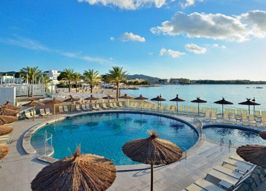 1 Woche Ibiza im Oktober: 3* Strandhotel inkl. Halbpension und Flug ab 469€