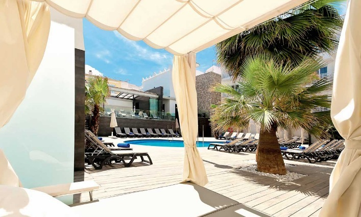 1 woche lanzarote im 4 hotel mit eigenem whirlpool auf dem balkon hp rail fly u transfer ab. Black Bedroom Furniture Sets. Home Design Ideas