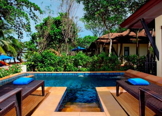 Frühbucher: 2 Wochen Khao Lak im 4* Hotel inkl. Frühstück, Flug und Transfer ab 944€