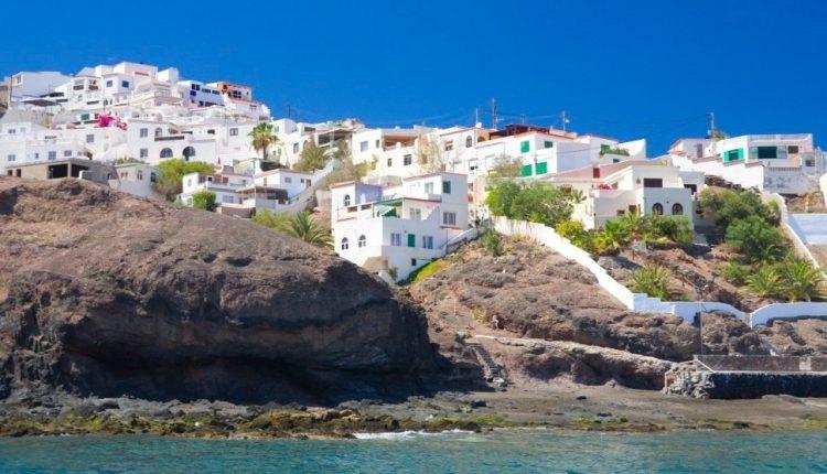 1 Woche Fuerteventura im 4* Sporthotel inkl. HP, Flug, Rail&Fly und Transfer ab 487€