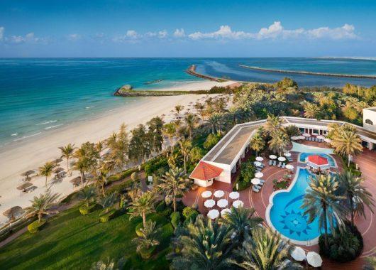 Luxus in den Emiraten: 6 Tage Ajman im 5* Hotel inkl. Frühstück, Flug & Transfer ab 533€