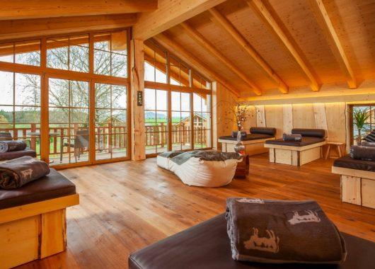 3 Tage Bayern im 5* Luxus Chalet mit privater Sauna, Whirlpool, Massage, Frühstück & Brotzeit ab 309€