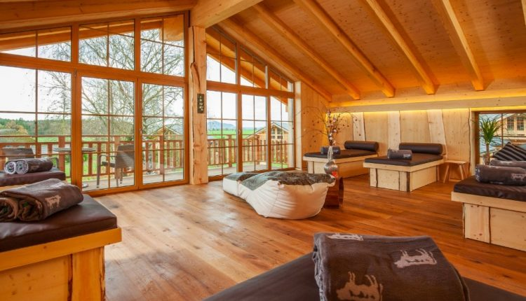 3 Tage Bayern im 5* Luxus Chalet mit privater Sauna, Whirlpool, Massage, Frühstück & Brotzeit ab 279€