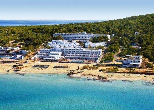 1 Woche Formentera im 4* Strand Resort inkl. HP, Flug, Rail&Fly und Transfer ab 448€