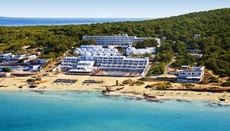 1 Woche Formentera im 4* Strand Resort inkl. HP, Flug, Rail&Fly und Transfer ab 451€