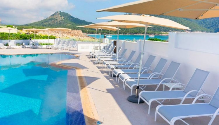 Eine Woche Cala Ratjada im sehr guten 3* Hotel mit Meerblick inkl. HP, Flug u. Rail&Fly ab 320€