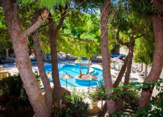 In den Herbstferien: Eine Woche Zakynthos im sehr guten 3* Hotel inkl. Frühstück, Flug und Transfer ab 374€