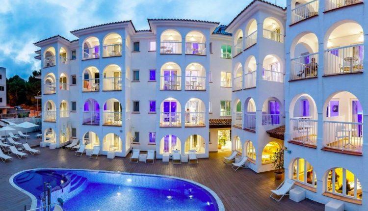 1 Woche Cala Ratjada im 4* Hotel inkl. HP, Flug, Rail&Fly und Transfer ab 351€