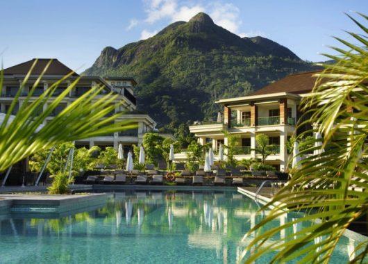 8 Tage Seychellen im 5* Resort inkl. HP, Flug und Transfer ab 1734€