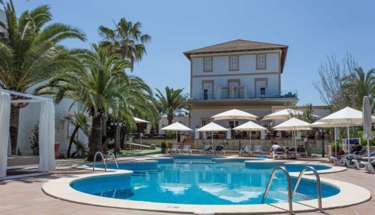 1 Woche Mallorca im Herbst: 4* Herrenhaus inkl. Halbpension, Flug, Rail&Fly u. Transfer ab 437€