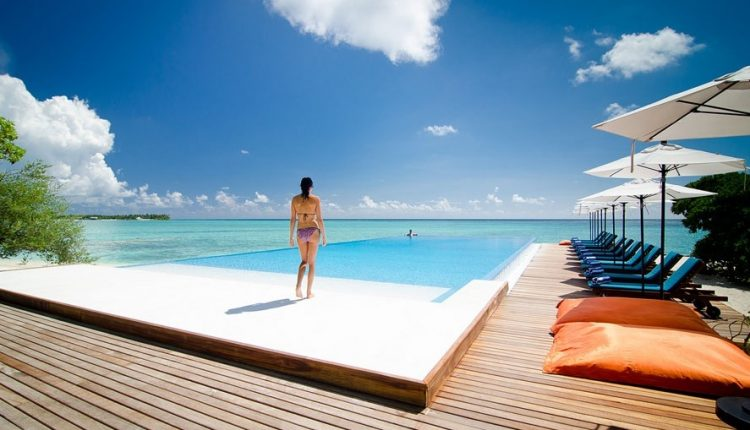 Frühbucher: 9 Tage Malediven im 4* Award-Hotel inkl. Vollpension, Flug, Rail&Fly und Transfer ab 1366€