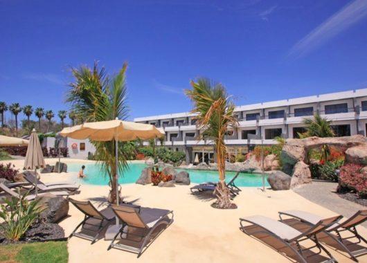 Winterwoche auf Fuerteventura: 4* Suite mit All In, Flug und Transfer ab 576€
