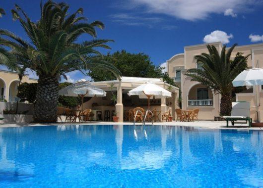 1 Woche Santorini im 3* Hotel inkl. Frühstück, Flug, Rail&Fly und Transfer ab 441€