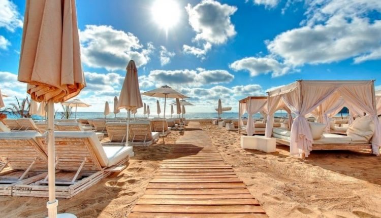 5 Tage im berühmten 5* Ushuaia Ibiza Beach Hotel inkl. Frühstück, Flug, Rail&Fly u. Transfer ab 573€