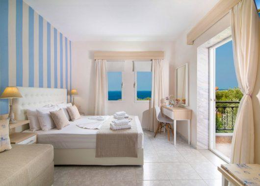 Eine Woche Chalkidiki im 3* Hotel inkl. Meerblick, HP, Flug, Rail&Fly und Transfer ab 353€