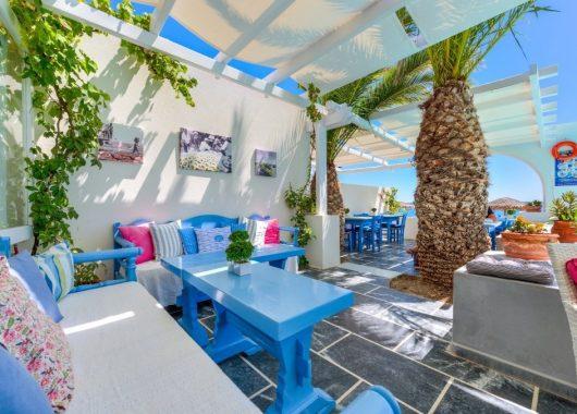 Eine Woche Santorini im Herbst: 3* Strandapartment inkl. Flug und Transfer ab 469€