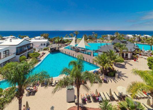 Eine Woche Lanzarote im 5* Hotel inkl. HP, Flug, Rail&Fly u. Transfer ab 526€