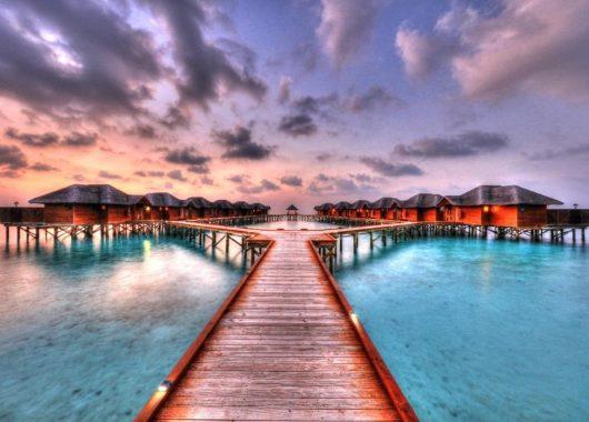 2 Wochen Malediven im 3,5* Resort mit All In, Flug, Rail&Fly und Transfer ab 1.858€