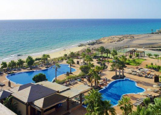 Eine Woche Fuerteventura im Dezember: 4* Hotel inkl. HP, Flug und Transfer ab 486€
