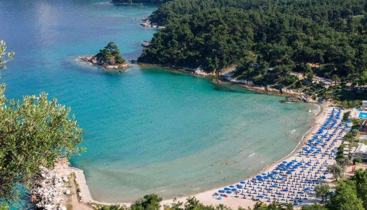 Frühbucher: Eine Woche Thassos im 4* Hotel inkl. HP, Flug, Rail&Fly und Transfer ab 430€